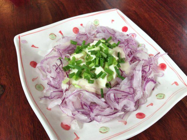 赤玉ねぎと豆腐のサラダ 完成